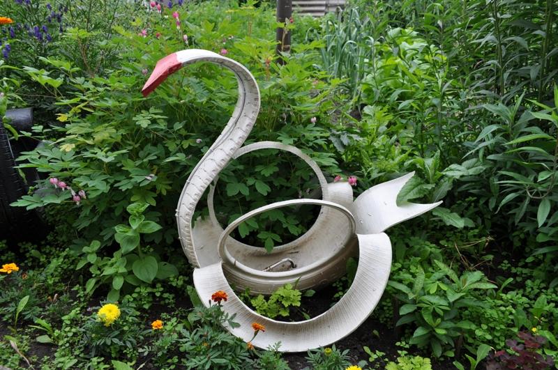 Украшения для сада из подручного материала своими